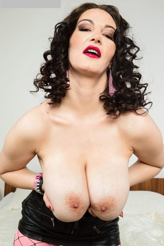 Vanessa Y. – Hooked On Vanessa Y. Big natural tits into big rounded mounds